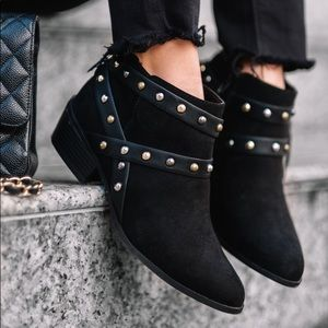 ❗️❗️EXPRESS ❗️❗️ studded booties